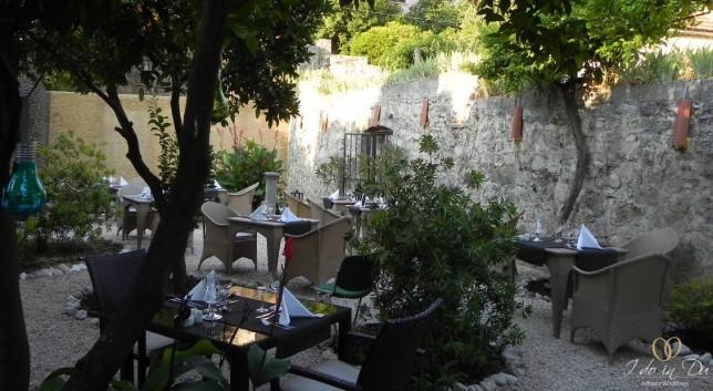 Ukryty Ogród w Cavtacie